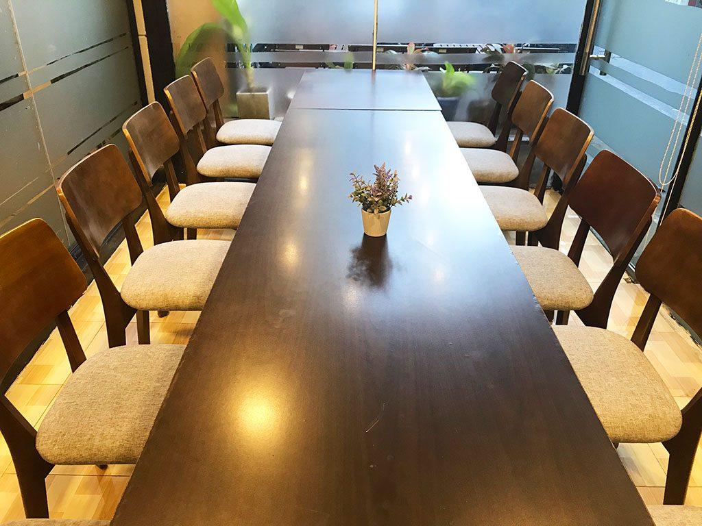 Cho thuê Phòng họp Phú Nhuận có tivi giá rẻ tphcm sức chứa 15 người tại The bib Space