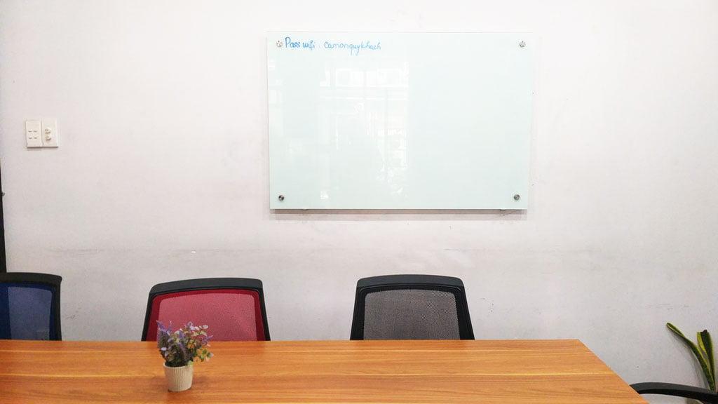 Cho thuê phòng họp có máy chiếu giá rẻ quận 1 tphcm sức chứa 09 người tại The bib Space