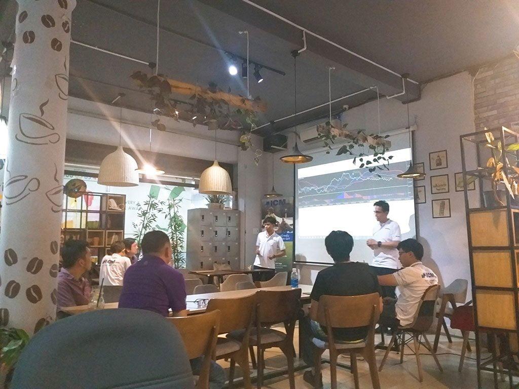 Lớp học chứng khoán 16 người có máy chiếu giá rẻ tại quận Phú Nhuận HCM The bib Space
