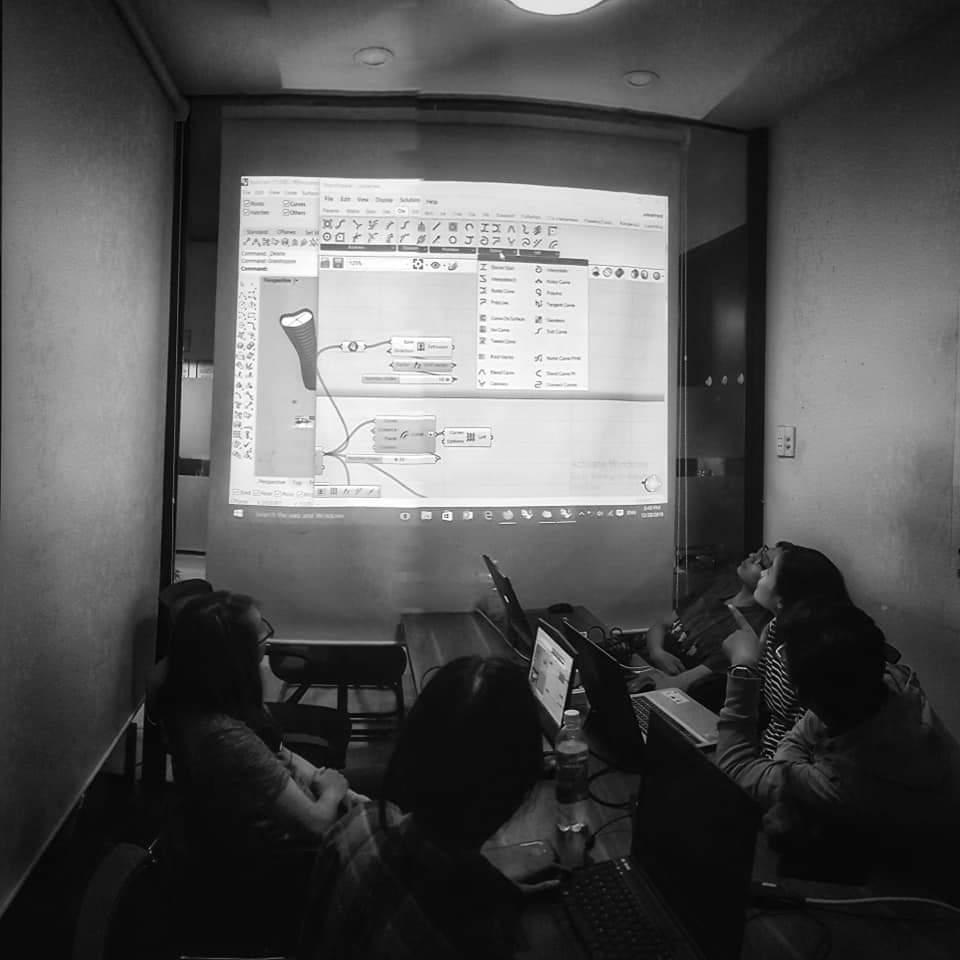 Cho thuê lớp học 7 người có máy chiếu giá rẻ tại quận Phú Nhuận HCM The bib Space