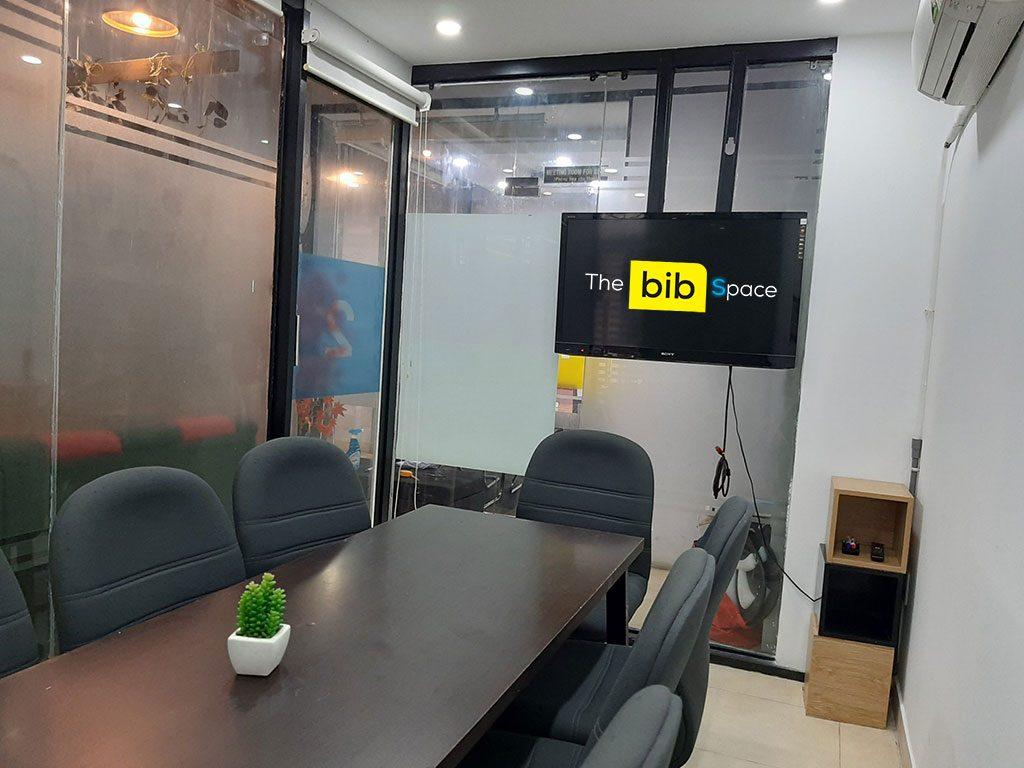 Cho thuê phòng họp có tivi tại quận Phú Nhuận quận 1 quận Bình Thạnh TPHCM 9 người The bib Space