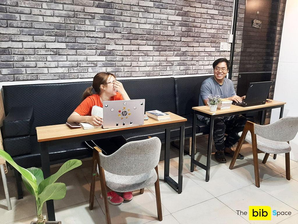 Chỗ ngồi làm việc theo giờ hành chính giá rẻ tại quận Phú Nhuận HCM The bib Space
