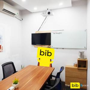 Chỗ ngồi làm việc theo nhóm giá rẻ tại quận Phú Nhuận The bib Space