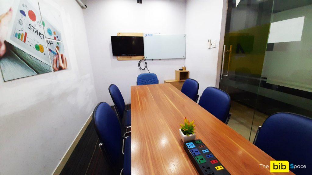 Cho thuê phòng dạy học có tivi tại quận Phú Nhuận The bib Space